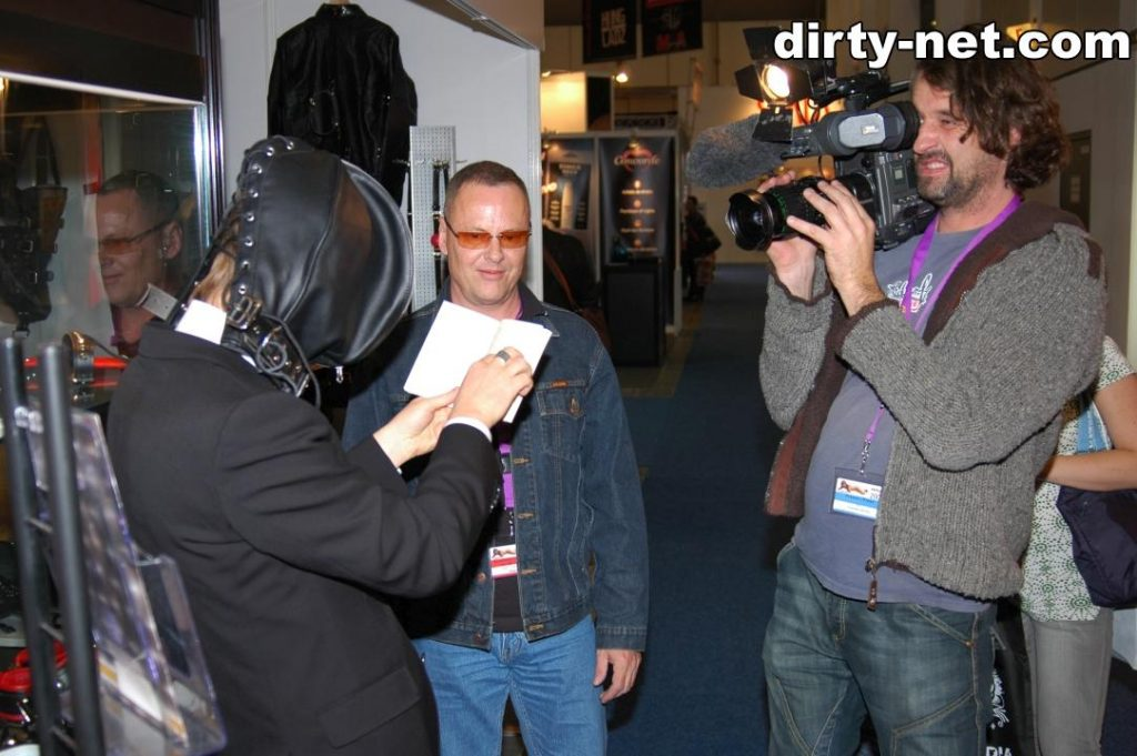 03-backstage-reporter-tv-venus-berlin