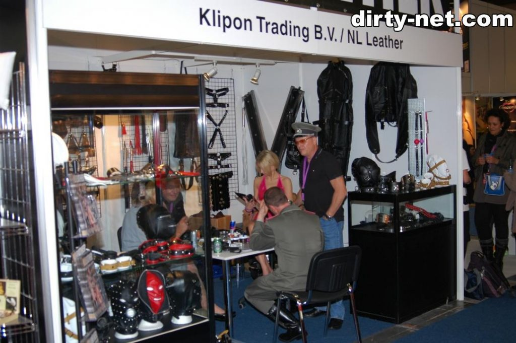 22-paris_pink_klipon_leather_trading_venus_berlin
