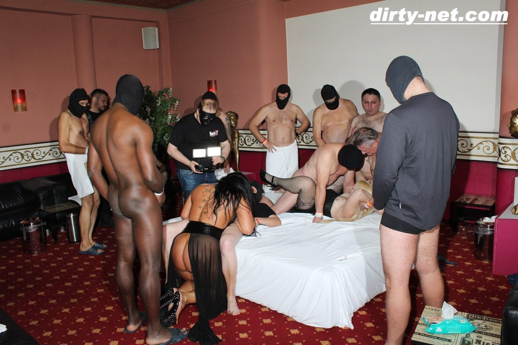 Sexclub Orgie Cum Girls