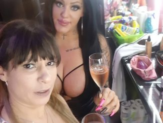Farah Slut und Ashley Cumstar